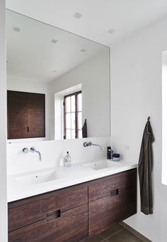 Bath Room Design Office Bath 40 Ideas For 2019 Compact Bathroom, Bathroom Toilets, Bathroom Renos, Bathroom Ideas, Small Bathroom Inspiration, Bathroom Accessories Luxury, 1950s House, Arne Jacobsen, Contemporary Bathrooms