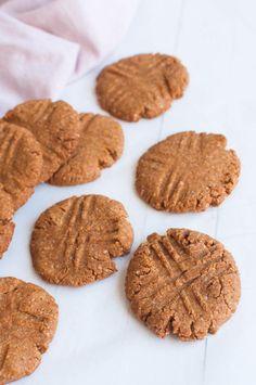 Peanut butter ginger cookies vegan sugar-free baking gluten-free healthy re Healthy Soup Vegetarian, Healthy Prawn Recipes, Healthy Gluten Free Recipes, Healthy Food List, Healthy Pastas, Ginger Cookies, Cookies Vegan, Carrot Cake Oatmeal, Sugar Free Baking