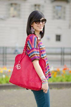Bakarà: Double bags Strawberry details #lauracomolli #pursesandi #fashion #fashionblogger #style #outfit #look #red #colcci #bakara #braccialetticruciani #gioya #turin #ss2013 #spring #flowers #happy #smile #girl #cute #beauty #beautiful #soniarykiel www.pursesandi.net