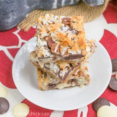 Seven Layer Bars | Graham cracker crust layered with 3 types of chocolate chips, sweetened condensed milk, coconut and pecans! @lizzydo thatskinnychickcanbake.com: Chocolate, Seven Layer Bars, Recipes Desserts, Food, Bar Recipes, Bars Graham, Coconut Bar, Dessert Bars