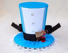 Tiny Top Hat: Alice In Wonderland - Lolita Cosplay Costume Party Fascinator Photo Photography Prop Wedding Tophat Small Miniature little. via Etsy. Mad Hatter Party, Mad Hatter Tea, Wedding Photography Props, Lolita Cosplay, Alice In Wonderland Tea Party, Crazy Hats, Top Hats, Drink, Fascinators