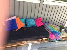 Woodpallet sofa
