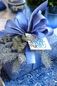 ✂ That's a Wrap ✂ diy ideas for gift packaging and wrapped presents - Blue and White | Carolyne Roehm