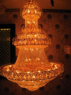 chandeliers | Chandeliers are once again in the spotlight  Wow!