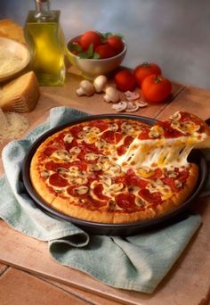 Heute gibt es Pizza: http://www.gofeminin.de/kochen-backen/pizza-d21901.html #pizza