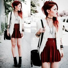 Luanna perez - Alternative model my fashion goals Cute Punk Outfits, Grunge Outfits, Grunge Fashion, Look Fashion, Timeless Fashion, Casual Outfits, Fashion Outfits, Fashion Tips, Fashion Hacks