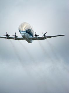 Photography: NASA Super Guppy Delivers Space Shuttle Trainer to Seattle