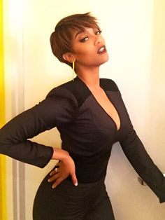 Tyra Banks's New Pixie Makes Her Feel Like a 'Futuristic Businesswoman' http://stylenews.peoplestylewatch.com/2015/04/09/tyra-banks-explains-short-pixie-cut/