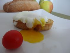 Czary w kuchni- prosto, smacznie, spektakularnie.: Jajko w koszulce na grzance Eggs, Tasty, Lunch, Breakfast, Healthy, Food, Meal, Egg, Lunches
