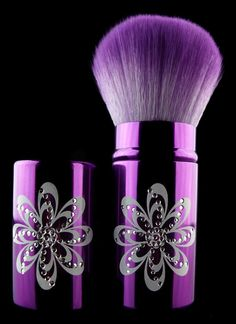 Kabuki Makeup Brushes  Love the colour!