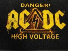 El 14 de mayo de 1976 se lanza el álbum High Voltage de AC/DC en Estados Unidos.  Es el primer álbum internacional de la banda de hard rock australiana.   #ACDC #High Voltage #Vídeo del día