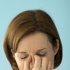 10 non-drug options that can prevent and relieve sinus symptoms.