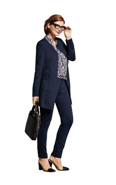 Discover CAbi�s women�s outfits including outfits for play, work, fitness and a night out on the town. View the Spring women�s clothing collection.