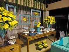 Resultado de imagem para 15 anos azul tiffany com amarelo festa