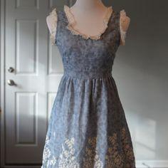 Boutique dress size M NWOT Adorable blue boutique dress with lace detail Dresses Midi