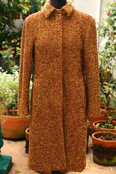 Trench Coat em Lã.  $150 Tamanho: P Second Hand