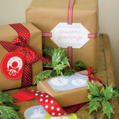 Get gifts out of anonymity with Avery tags and free design printables! #homesecuritydiytoget