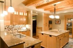 counter, walls to work w/existing maple cabnets