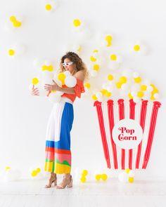 Popcorn Balloon Backdrop | Oh Happy Day! Balloon Backdrop, Balloon Decorations, Balloon Columns, Mason Jar Diy, Mason Jar Crafts, Birthday Balloons, Birthday Parties, Themed Parties, Popcorn