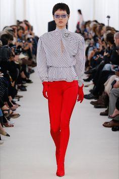 Sfilata Balenciaga Parigi - Collezioni Primavera Estate 2017 - Vogue