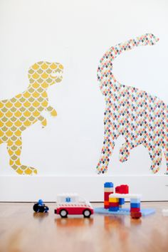 make giant wall stickers using removable wallpaper + free printables.would this work with fabric? Wallpaper Stickers, Wall Stickers, Crafts To Do, Diy Crafts, Dinosaur Wallpaper, Kids Room Wallpaper, Kids Decor, Decoration, Diy For Kids