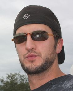 BAHAHHA his sunglassess makes him look a little dorky! Academy Of Country Music, Country Music Artists, Country Singers, Country Boy Names, Country Boys, Luke Bryan Pictures, Caroline Bryan, This Life I Live, Shake It For Me