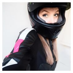 いいね!416件、コメント16件 ― Karolina K. | Hamburg, Germanyさん(@karlinamalina)のInstagramアカウント: 「hello bikerfriends 😼 -------------------- have you seen my new blogpost about me as bikergirl? what…」