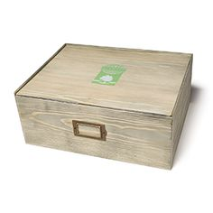 Scent Storage Box Customizable compartments fit up to 45 Scentsy Bars or countless other product combinations in a stylish wood box. Oil Storage, Storage Boxes, Candle Warmer, Wax Warmers, Wood Boxes, Decorative Boxes, Summer 2016, Wax Room, Scentsy Fragrances