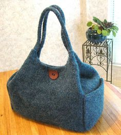 Ravelry: Sara Purse pattern by Charlene Brown