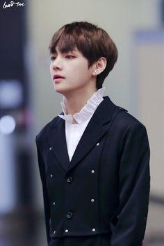 Taehyung, V
