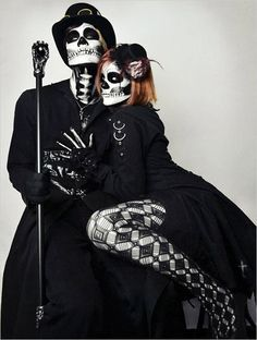 10 Cute Couple Costume Ideas. #weddingchicks http://www.weddingchicks.com/10-cute-couple-costumes/