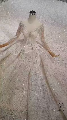 We are professional online store for handmade custom made wedding dresses and special occasion dresses. Shop 2020 prom dresses and wedding dresses with affordable price here! Wedding Dress Bustle, Fancy Wedding Dresses, Asian Bridal Dresses, Wedding Dress Trends, Wedding Gowns, Cos Dresses, Ball Dresses, Ball Gowns, Mode Kylie Jenner