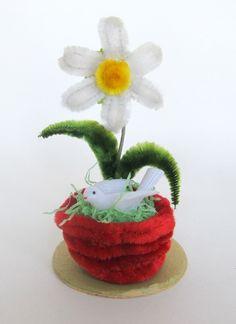 Vintage Easter Decoration Pipe Cleaner Flower by teresatudor, $9.50