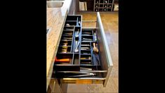 Organize flatware and utensils while making the most of your drawer space with our Cutlery Tray Drawer Organizer. Choose the configuration that fits your space. It's a space-efficient organizer that keeps kitchen drawers orderly and favorite tools easily Cool Kitchen Gadgets, Home Gadgets, Kitchen Hacks, Diy Kitchen, Cool Kitchens, Kitchen Decor, Kitchen Organization, Kitchen Storage, Kitchen Drawers
