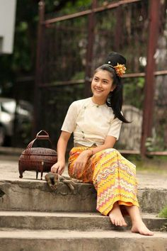 Ancient Myanmar dress