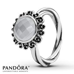 PANDORA RING GRAY MOONSTONE... I want thisssss!!