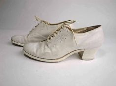 Vintage 1940s White Perforated Oxford