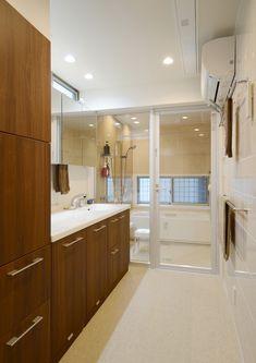 CASE403 オリーブグリーンな家 Olive Green, Divider, Bathroom, Interior, Kitchen, Furniture, Home Decor, Kitchens, Bath