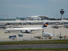 Flughafen München - der Besucherhügel ist ein schönes Ausflugsziel für technikinteressierte Kinder. Auch als Stau- und Pausenziel ideal!