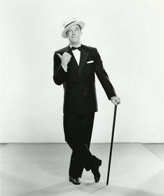Gene Kelly - my favorite dance man....
