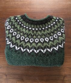 Ravelry: Project Gallery for Riddari pattern by Védís Jónsdóttir Fair Isle Knitting Patterns, Crochet Patterns For Beginners, Ravelry, Knit Or Crochet, Crochet Crafts, Stitch Witchery, Icelandic Sweaters, Knitting Projects, Hand Knitting