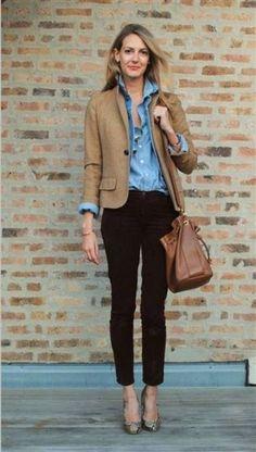 Business casual: camel blazer, light blue chambray, black skinnies, large leather shoulder bag