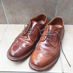昨日履いたウィスキーLWB 色ムラがさらに激しくなってきました I wore Alden whiskey shellcordovan LWB yesterday. Color of these pairs change day by day. #alden #オールデン #足もと倶楽部 #leathershoes #horween #shellcordovan #fashion #kicks #todayskicks #Tokyo #KOTD #aldenarmy #YOLO #tagsforlike #tflers #instagood #instadiary #instalike #instapic #instaphoto #madeinusa #leathergoods #shoestagram #instashoes #shoeporn
