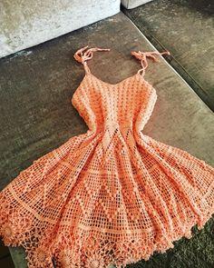 Popular crochet clothes for women dresses tank tops Crochet Woman, Crochet Lace, Crochet Bikini, Clothing Patterns, Dress Patterns, Crochet Patterns, Crop Top Pattern, Crochet Tank Tops, Crochet Summer Dresses