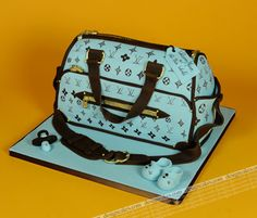 Speciality cakes, birthdays, engagemet, baptism, Design Cakes page 7 - Modern Baby Girl Diaper Bags, Diaper Cake Boy, Baby Baby, Louis Vuitton Cake, Baby Crafts To Make, Diaper Bassinet, Baby Announcement Pictures, Baby Shower Desserts, Baby Girl Birthday