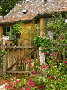 SUNWISE TURN - A HUGH COMSTOCK FAIRYTALE COTTAGE IN CARMEL-BY-THE SEA