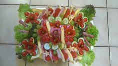 Így tálalj! Egy nagyszerű háziasszony csodás hidegtálai! - Egy az Egyben Party Platters, Sushi, Marvel, Ethnic Recipes, Food, Essen, Meals, Yemek, Eten
