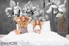 Szara fototapeta do sypialni kwiaty. Wzór KW17 © dostępny również w kolorze.  #fototapety #fototapeta #kwiaty #sypialnia #bedroom #wallit #szary #grey #flowers