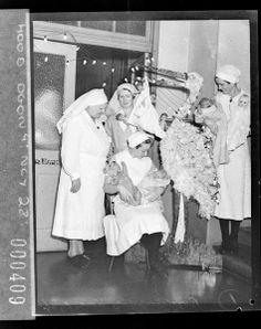 Matron, nursing sisters, nurses and babies, Royal Hospital for Women, Paddington, Christmas 1936