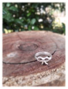 Remember Ring // Bow Ring // Gifts for Her // Friendship Ring // Sterling Silver Jewellery by BlackDogDesignsAU on Etsy https://www.etsy.com/au/listing/280235464/remember-ring-bow-ring-gifts-for-her